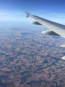 Поля Франція з віконця нашого літака